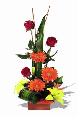 types of flower arrangement in hotel